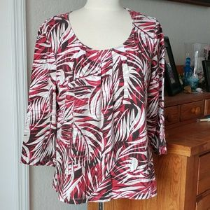 Chico's 3/4 Sleeve Palm Print Pleated Front Top